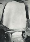 Kupolovitá pec v obytnej miestnosti, čeľusťami otočená do pitvora. V dome Juraja Blaščaka, Baranie.