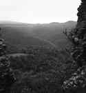 Výhľad z Hanigovského hradu na Dvoriská