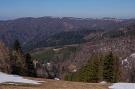 Lyžiarsky svah Baranie, v pozadí Veľká Javorina, Chochuľka