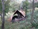 Zhorená chata na lúke Vasko Janka